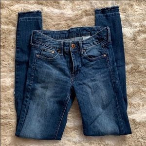 H&M ripped jeans. Only worn once. Clean condition.